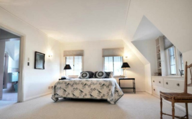 Walt-Disney-Woking-Way-Residence-3-640x397
